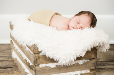 Westchester, NY | Newborn Photography: Baby L.